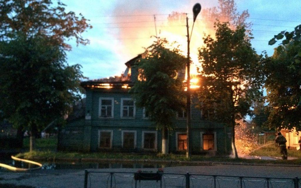 Сгорел дом Агаповой в Новой Ладоге