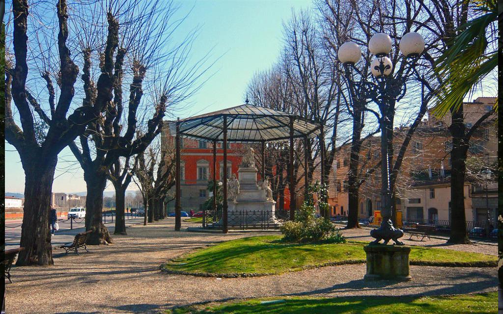 Площадь Демидова во Флоренции