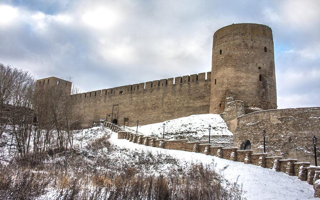 Разрабатывается проект фасадного освещения Ивангородской крепости